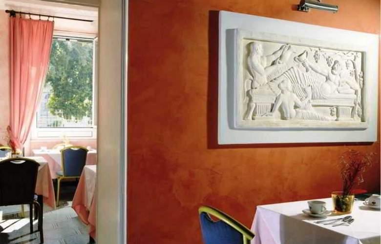 Kennedy - Restaurant - 8