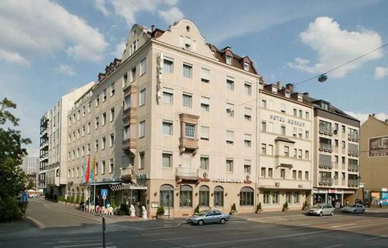 Ringhotel Loew's Merkur - Hotel - 0