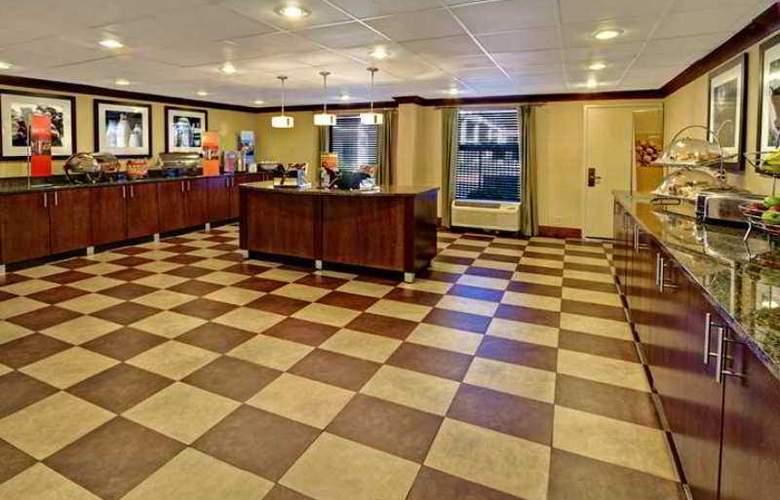 Hampton Inn Chattanooga Airport - Hotel - 5