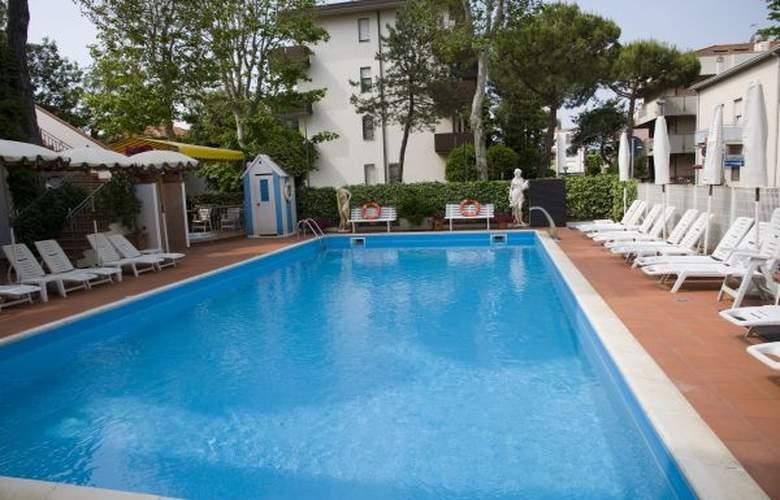 Villa Dei Fiori - Hotel - 4