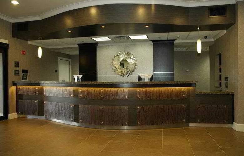 Best Western Plus Texarkana Inn & Suites - Hotel - 1