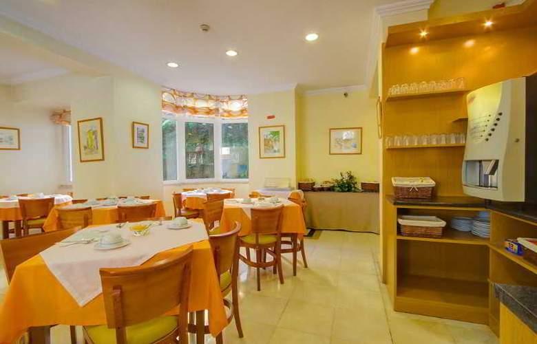 Avenida Park - Restaurant - 19