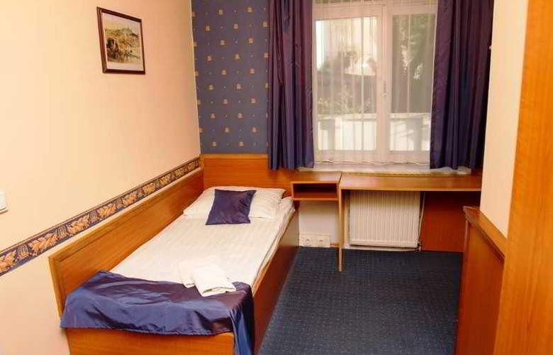 Classic - Room - 12
