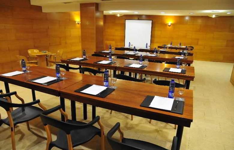 Zenit Dos Infantas - Conference - 14