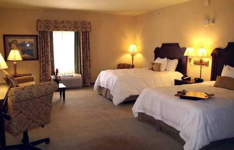 Hampton Inn and Suites - Hotel - 11