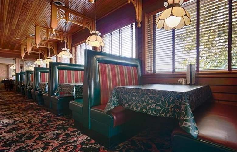 Best Western Greenfield Inn - Restaurant - 87