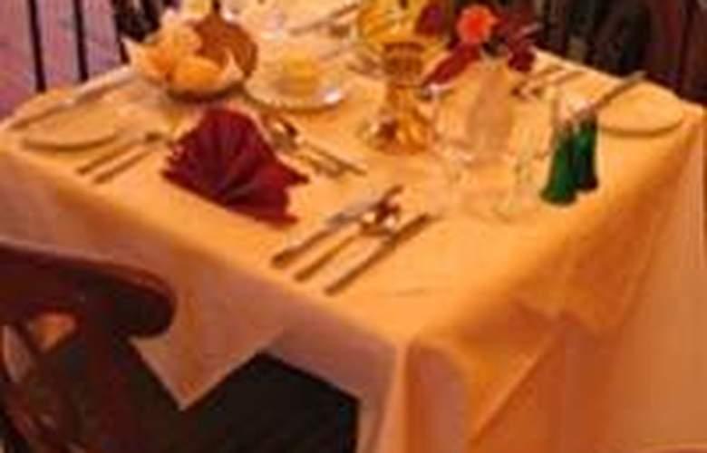 Killarney Court - Restaurant - 3