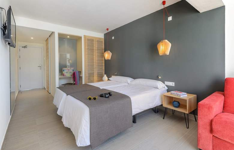 Clubhotel Playasol Cala Tarida - Room - 13