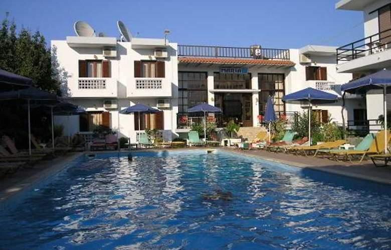 Maria Aparthotel - Pool - 3
