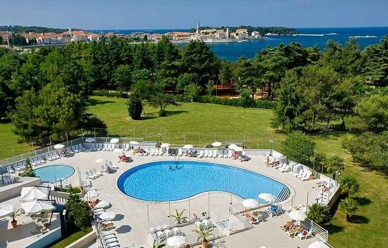 Zagreb - Pool - 6