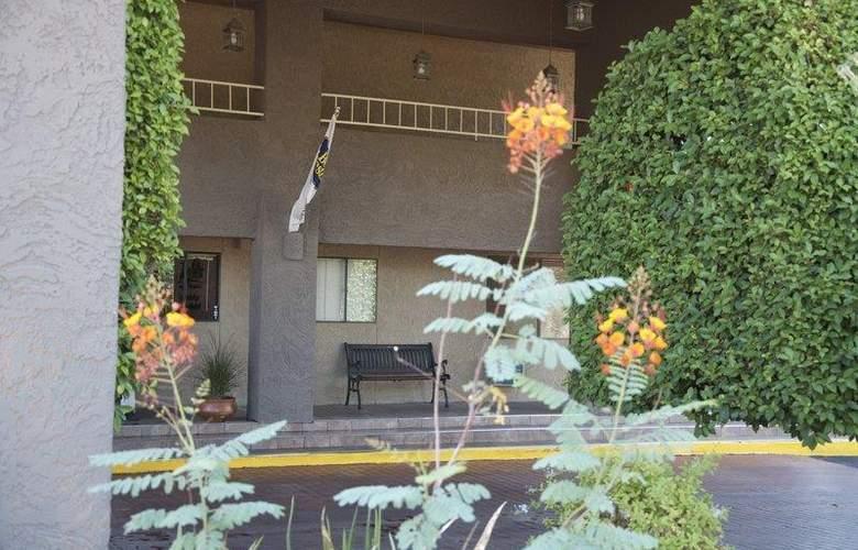 Best Western Plus Innsuites Phoenix Hotel & Suites - Hotel - 17