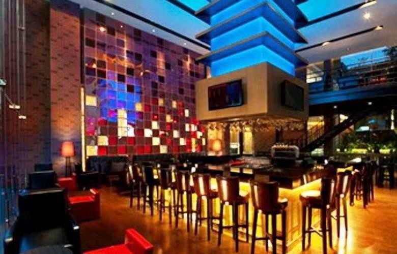Fourpoints By Sheraton Bangkok - Bar - 7