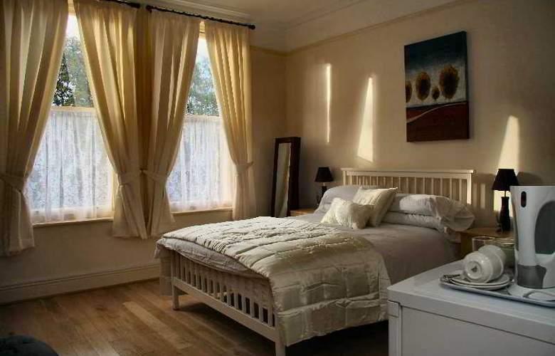 Ullet Suites - Room - 3