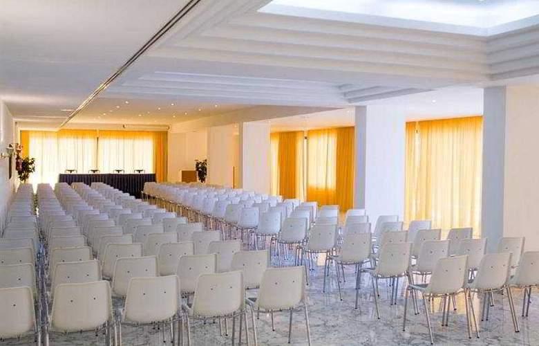 Taurito Princess - Conference - 5