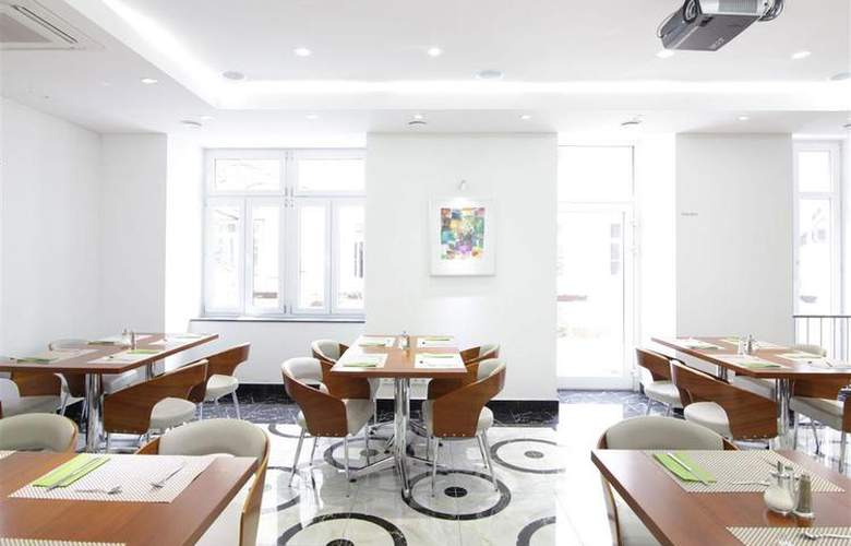 Best Western Plus Hotel Arcadia - Restaurant - 127