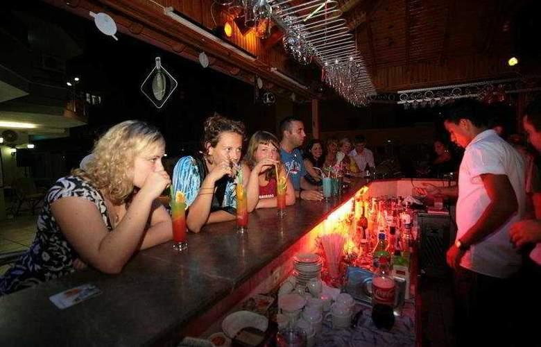 Yeni Acun Apart Hotel - Bar - 4