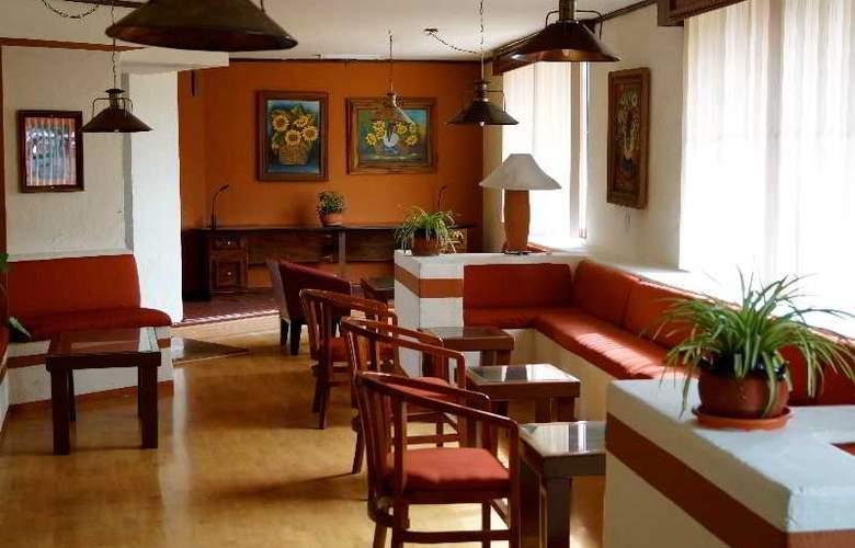 Villa del Sol and Suites - Hotel - 13