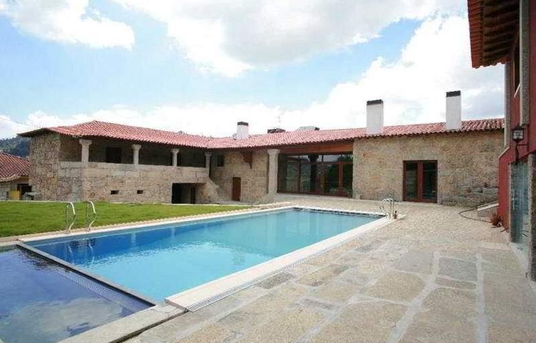 Hotel Rural Alves - Casa Alves de Torneiros - Pool - 5