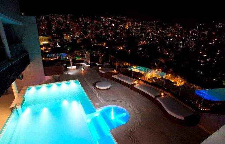 Sercotel The Charlee Lifestyle Hotel - Pool - 4