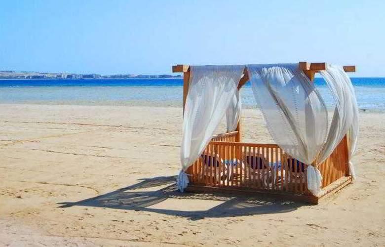 Tropitel Sahl Hasheesh - Beach - 13