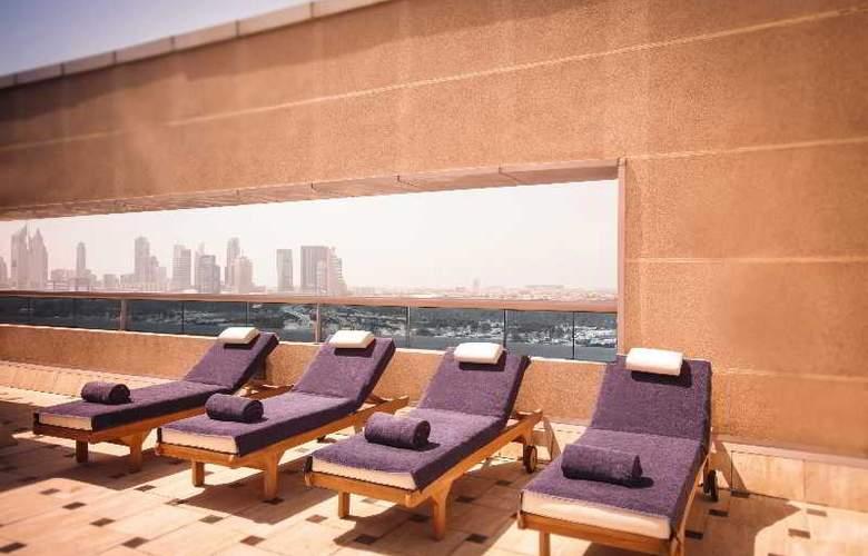Movenpick Bur Dubai - Pool - 31