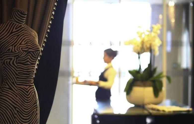 Le Regina Biarritz Hotel & Spa - Restaurant - 3