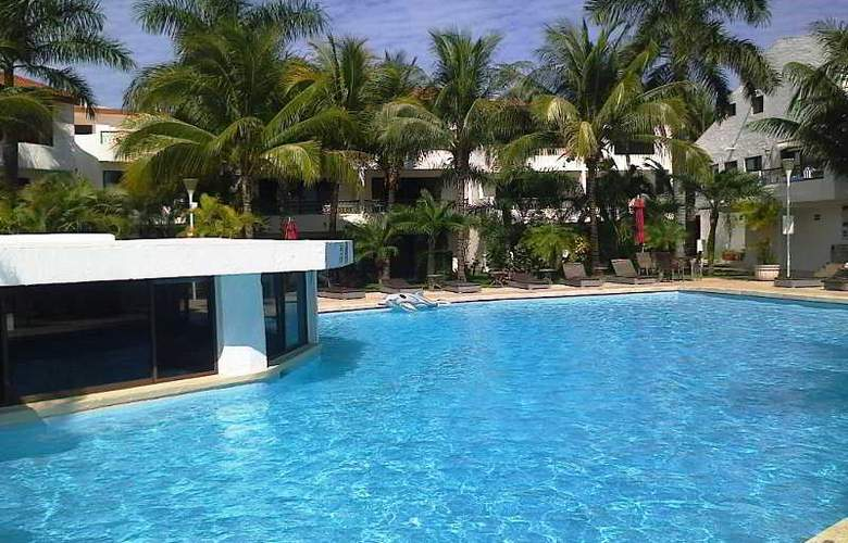 Sina Suites - Pool - 13