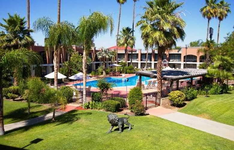Hotel Rosedale - Pool - 2