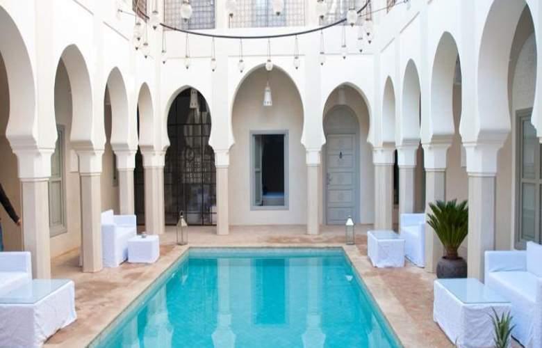 Riad Nashira & Spa - Hotel - 2