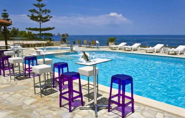 Happy Cretan Suites - Pool - 7