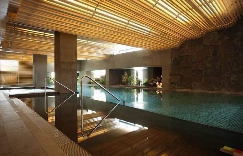 Banyan Tree Club - Pool - 10
