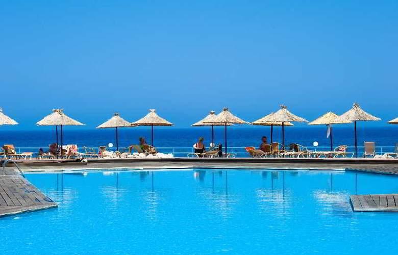 Lutania Beach - Pool - 12