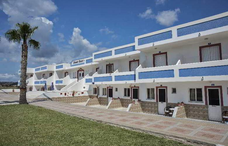 Mammis Beach - Hotel - 8