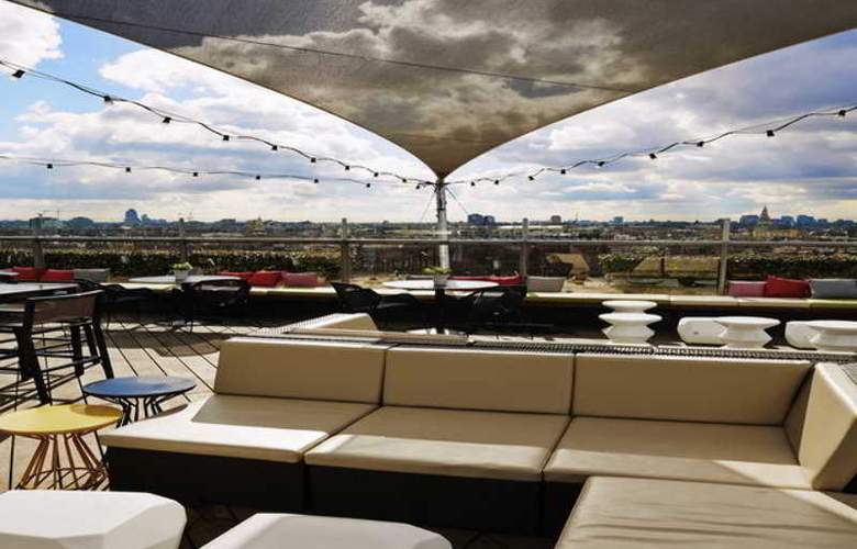 DoubleTree by Hilton Amsterdam Centraal Station - Terrace - 35
