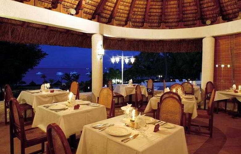 Casuarina Resort & Spa - Restaurant - 8