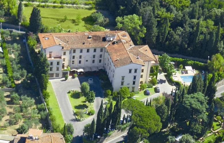 Villa Gabriele d'Annunzio - Hotel - 0