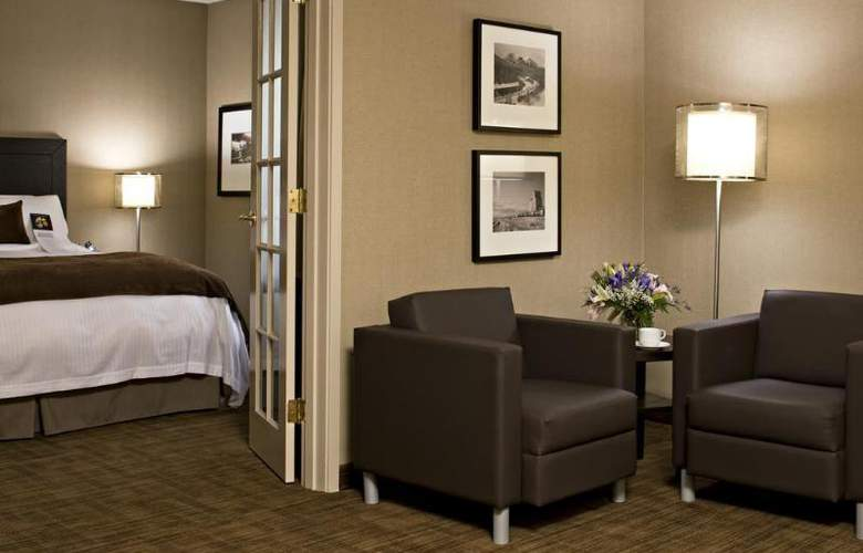 Delta Hotels by Marriott Calgary Airport In-Terminal - Room - 1