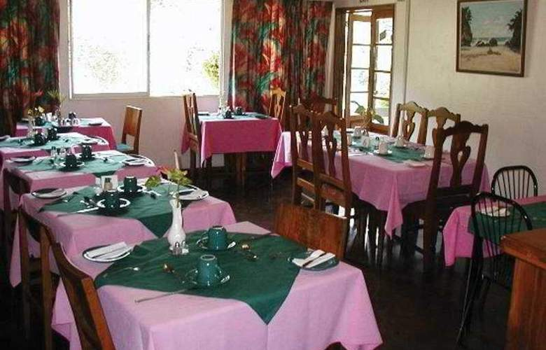 Moniques Guest House - Restaurant - 4