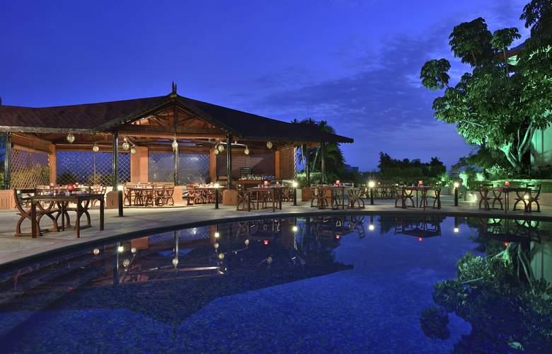 Sheraton Grand Pune Bund Garden - Pool - 3