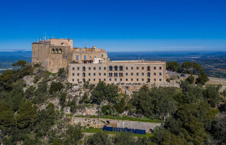 Petit Hotel Hostatgeria Sant Salvador - Hotel - 0