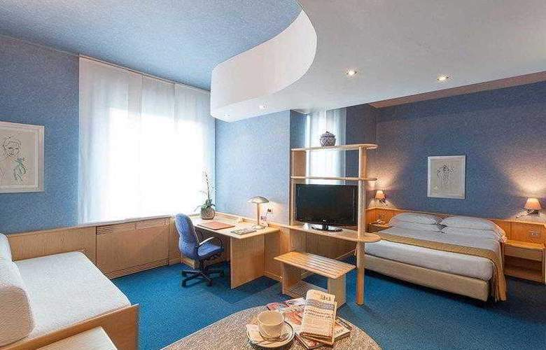 Best Western Plus Executive Hotel and Suites - Hotel - 4