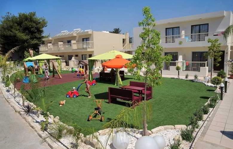 Nelia Gardens - Hotel - 0