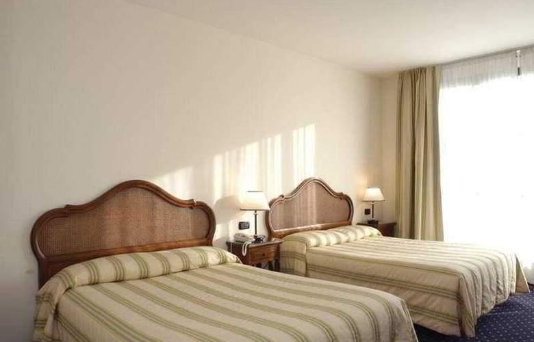 Claudia Augusta - Room - 3