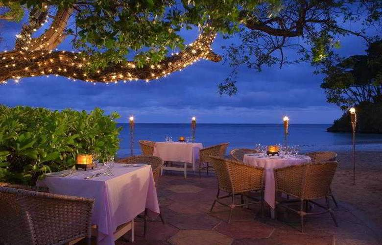 Couples Sans Souci All Inclusive - Restaurant - 23