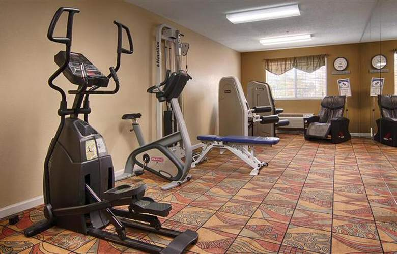 Best Western Plus Newport News Inn & Suites - Sport - 38