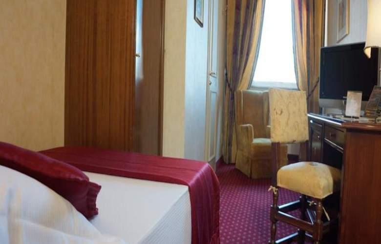 Nazionale Roma Hotel & Conference Center - Room - 14