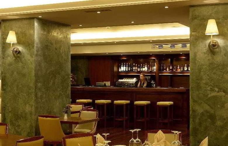 Piraeus Theoxenia - Restaurant - 31
