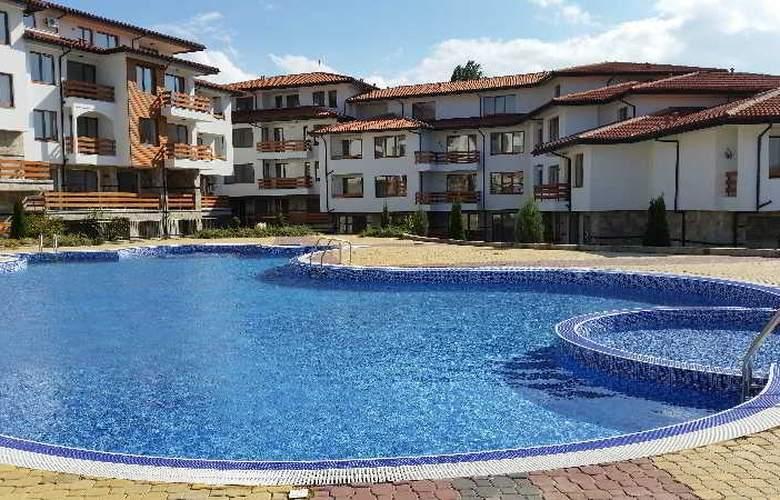 Festa Gardenia Hills - Pool - 11