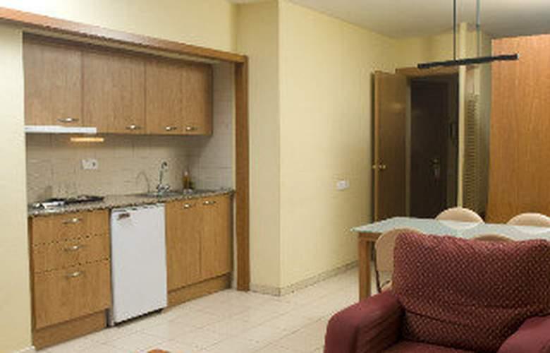 Aparthotel Bertran - Room - 8