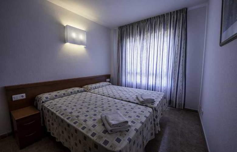 Pineda Park - Room - 14